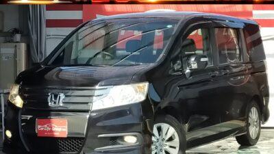 ステップワゴン スパーダZ   スポーティで迫力あるエアロフォルムのステップワゴンスパーダ💣🔥セキュリティアラームなど充実装備の「Z」🌈フルセグ&Bluetooth内蔵カロッツェリアHDDナビ搭載🔥🔥両側パワースライドドアで乗り降りラクラク(^^♪8人乗りの広い室内で長距離ドライブも街乗りも快適🚘納車時新品タイヤ装着&嬉しい★車検2年付き★フリップダウンプランもご用意しているのでお気軽にお問い合わせください('◇')ゞ