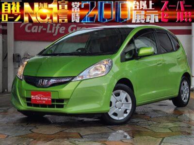 フィット  ☆HIBRID☆  下取処分大特価車両!!月々1万円台~OK!!  コンパクトボディで乗りやすいハイブリッド車両です♪♪♪ カタログ燃費性能30km/リットルで経済的です♪♪♪ 車検2年付き