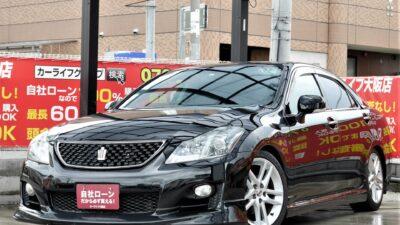 CROWN クラウン アスリート 2.5 大人気高級セダン💎 走行中フルセグTV・DVD視聴可能💿📺 Bluetoothオーディオ付き🎵🎶 TEIN車高調付きでローダウンがキマッてます😎 大解放サンルーフ付き🌞 パワーシート&シートメモリー・シートヒーター&エアシートでドライビングポジションの設定から走行中の快適性までをサポート💺 クルーズコントロールやビルトインETCで遠出もバッチリ🗾 お問い合わせの絶えない車種のため早急にお問い合わせください💣 《1年保証付》